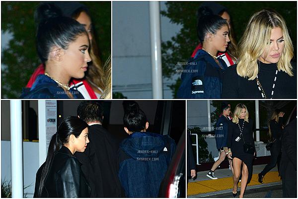 *10/12/15 - Kylie a été au 2nd Annual Diamond Ball à Santa Monica. Eblouïssante ! Voilà le mot qui me vient quand je vois notre Kylie dans cette tenue. C'est une vrai princesse !*