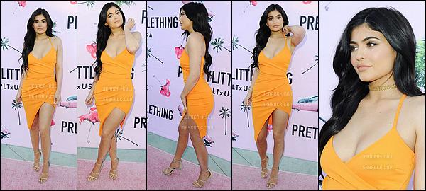 08/07/2016 : Kylie a été vue à l'évènement de Prettylittlething.com - Los AngelesKylie est simplement ravissante sur cet event. Cette robe lui va à ravir, et je la trouve juste merveilleuse.