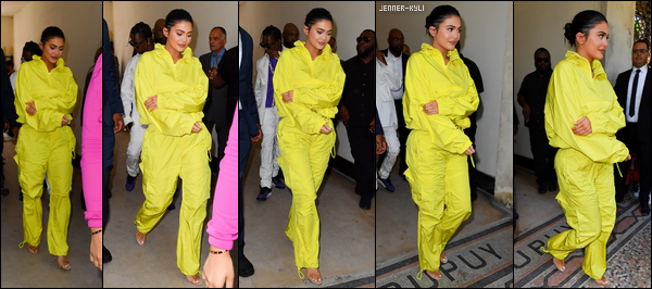 *12/06/18 - La splendide jeune maman Kylie Jenner a été aperçue sortant d'un immeuble avec Stormi dans Calabasas. Côté tenue de Kylie, encore une fois quelque chose d'assez sobre, simple. Elle est radieuse cependant, ravie de pouvoir passer du temps avec Stormi. *