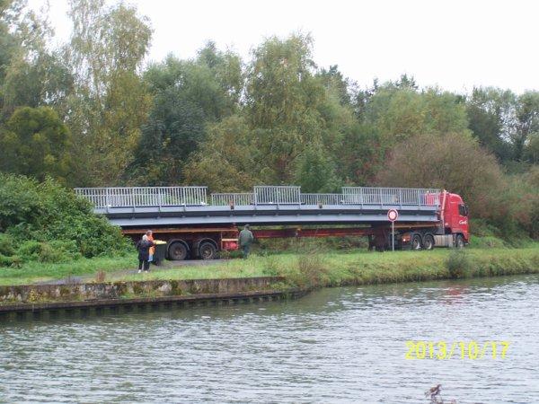 installation du nouveau pont d'abbecourt