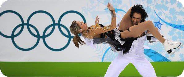 des positions suggestives en patins à glace