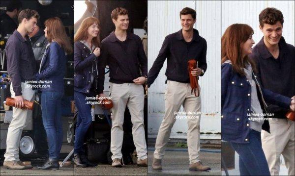 le 27 décembre 2014 - Jamie profitaient d'un moment avec sa petite famille a Vancouver