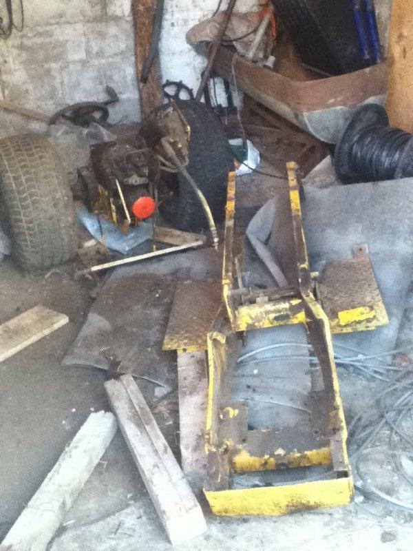 Étape a mon projet de démontage de mon mini tracteur Cub cadet