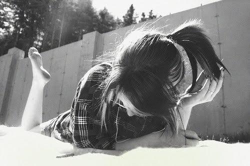 Tu sais, c'est pas parce que tout est fini et que je parais heureuse, que je n'ai plus mal.