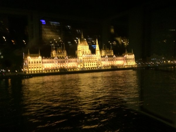 Lundi 03 Octobre 6eme jour du périple visite de Budapest