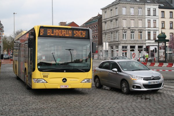 Bus 453122.