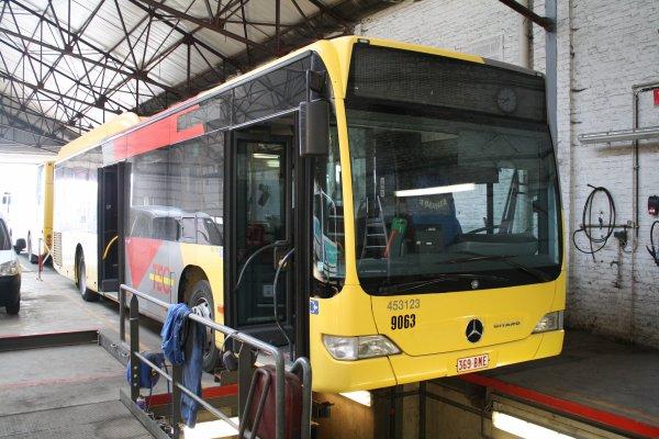 Bus 453123.