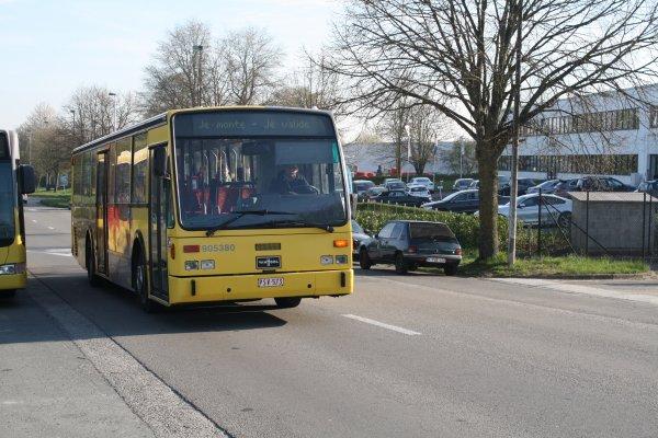 Bus 905380.