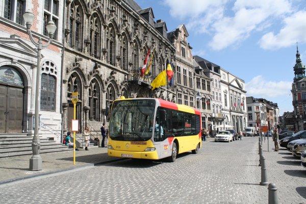 Bus 3928.