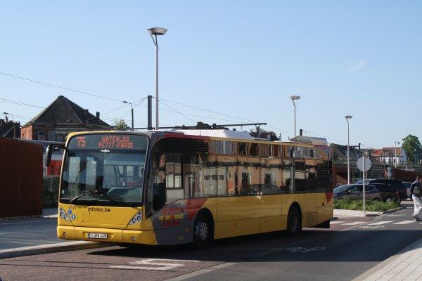 Bus 6748.