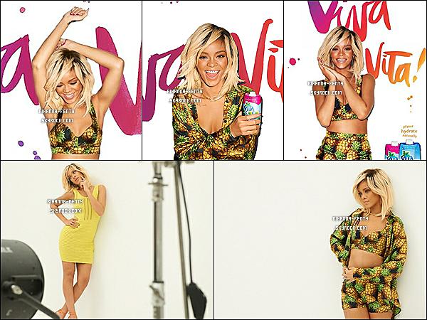 Voici La Nouvelle campagne promotionnelle avec Rihanna pour la Boisson Vita Coco .  + une vidéo de Rihanna dans les coulisse du photoshoot pour la campagne de Vita Vita de Vita Coco .