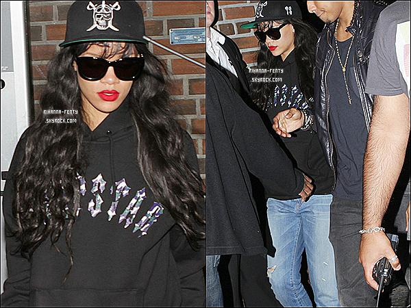 29.06.2012 : Miss Rihanna Fenty  à été aperçue quittant le club Strawinsky à Oslo.