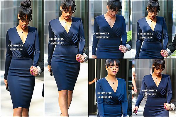 06.07.2012 : Rihanna fenty et aller à l'enterrement de sa grand-mère à New-York. Puis le soir même après l'enterrement de sa grand mère Rihanna et parti au restaurant à NY.