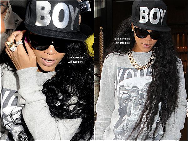08.07.2012 : La Rihanna Fenty Swag à été aperçue à Londres quittant son hôtel .