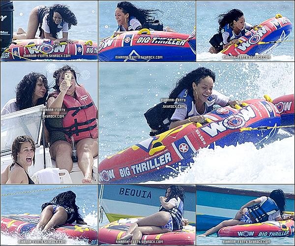 12.07.2012 : Rihanna Fenty été aperçue encore sur une plage privée de son île natale.