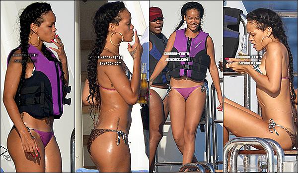 21.07.2012 : Robyn Rihanna Fenty à été vue faire du jet ski à Saint Tropez, (France). Puis après avoir faire du jet Ski miss Riri était de Sortie à Saint Tropez, elle à été vue au Vip Room.