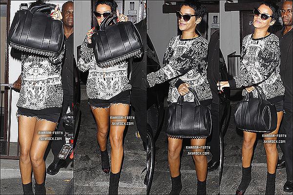 """11/09/2012 : R. Rihanna Fenty à été prise en photo alors qu'elle sortait d'un restaurant """"Giorgio Baldi"""".  11/09/2012 : plus tard dans la soirée R. à été vue quittant un studio d'enregistrement à 4h du matin."""