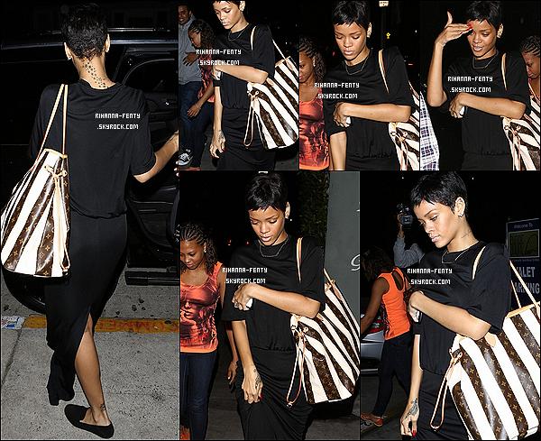 09/10/2012 : Rihanna F. est de retour à Los Angeles elle à été vue sortant du restaurant Giorgio Baldi. Plus tard dans la journée la belle Rihanna à été vue arrivant à un studio d'enregistrement à Los Angeles.