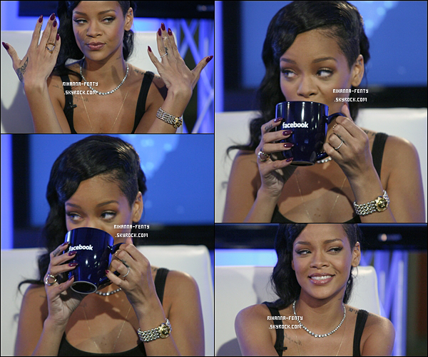 10 NOVEMBRE 2012  ▬ Rihanna à été vue par les photographe alors qu'elle quittait son hôtel New Yorkais.