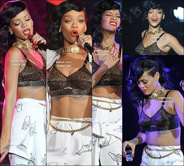 20 NOVEMBRE 2012  ▬ Rihanna Fenty à été aperçue alors qu'elle quittait son hôtel ce matin à Londres.