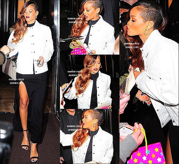 04 Mars 13 : Rihanna quitte son hôtel à Londres pour ce rendre au lancement de sa nouvelle collection.  Une vidéo des répétitions du « Diamonds World Tour » est disponible Ici Rihanna pendant les essaie techniques pour la tournée.