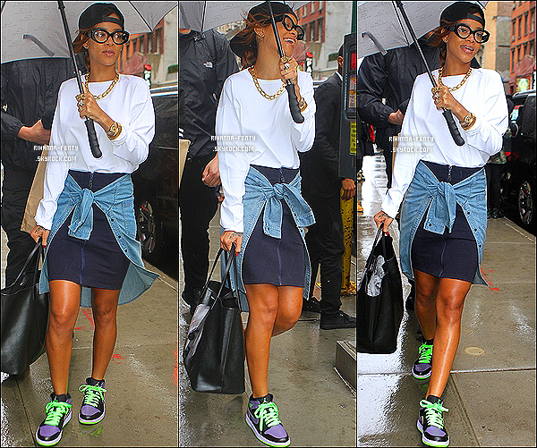 _ 30 Avril 13 : Rihanna passe plusieurs jours à New York, Notre Riri Fenty a été photographié dans les rues de NY.  -