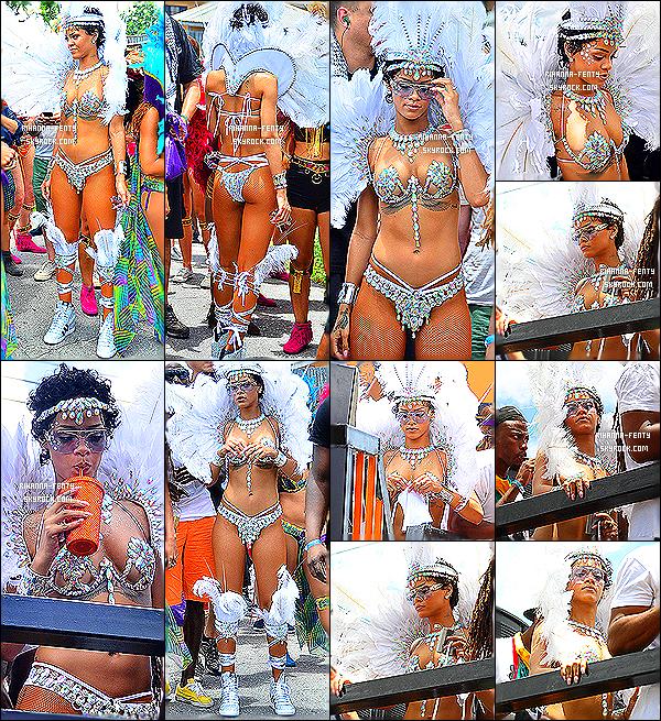 _ 05/08/13 : Rihanna Fenty et ses amies se sont rendues à la parade du festival « Crop Over » à la Barbade. - Top?  -