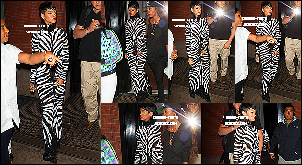 _ 14/08/13 : Rihanna a été aperçue tard dans la nuit dans les rues de New York avec sa meilleur amie Melissa et Ben. 14/08/13 : Rihanna F a été vue alors qu'elle quittait son hôtel à New York avec sa toute nouvelle coupe de cheveux. 12/08/13 : Rihanna a été photographié alors qu'elle quittait le restaurant « Da Silvano » à NY avec d'Ursula S. Top ?   -
