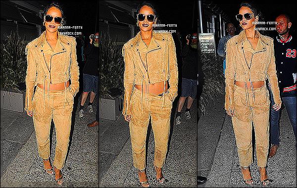 _ 11/10/2013 : Rihanna F. a été aperçue alors qu'elle quittait le club « Bondi Icebergs » à Sydney en Australie. Voilà le clip tant attendu « Pour It Up » est enfin disponible, après tant de mois d'attente ! Aime tu le nouveau clip de Rihanna F. ? Ici   -