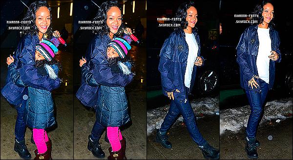 _ 10/01/14 : Notre chanteuse, Riri se trouvait au « Barclays Center » à un match de basket, hier soir à New York.  -