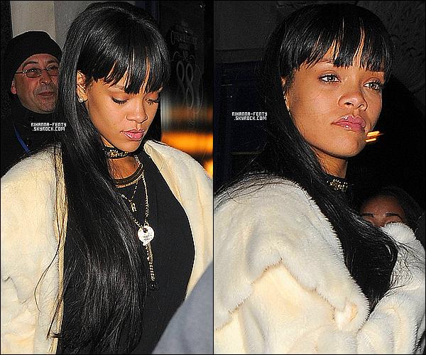 _ 25/03/14 : Rihanna a assisté au concert de Drake. Elle a été vue se rendant à l'after party du concert à Londres.Le magazine « People» a annoncé récemment que le  (CFDA) a désigné Rihanna Fenty gagnante du Fashion Icon Award 2014.  -