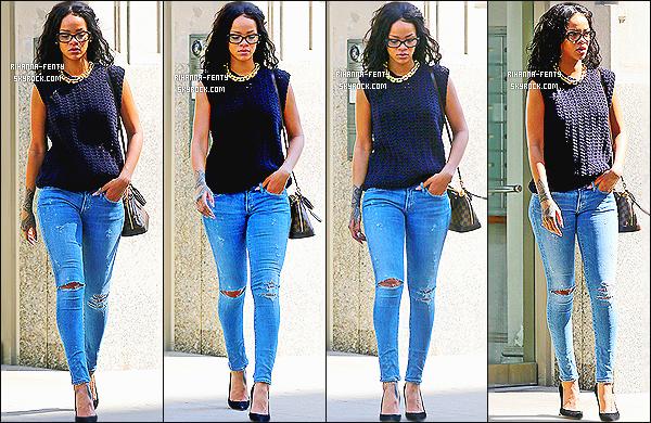 _ 02/06/2014 : Rihanna s'est rendue chez le dentiste, puis elle a été aperçue dans les rues de New York. - Top? -
