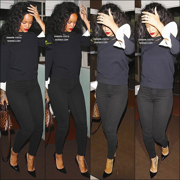 _ 08/06/2014 : Rihanna F. s'est rendue au « Giorgio Baldi » à Los Angeles, où elle a diné avec Chris Martin . -