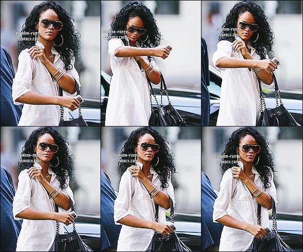 '  05/08/2007 - Rih a été aperçue allant dîner au « Da Silvano » à NY. Elle était plus tard au concert de Beyonce. '