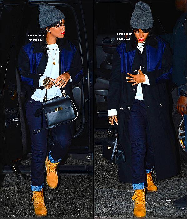 _ 22/09/2014 : Rihanna F. s'est rendue une nouvelle fois en studio d'enregistrement à New-York. Qu'en pense-tu ?
