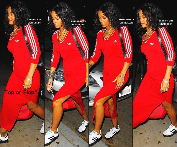 26/10/2014 : Rihanna a été vue alors qu'elle quittait son restaurant favoris « Giorgio Baldi » à Los Angeles. Que pensez-vous de la tenue de notre chère Rihanna ? c'est un TOP ou bien FLOP. N'hésitez pas à me faire parvenir vos avis.