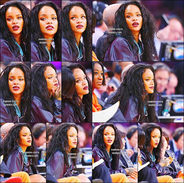 _ 15/01/2015 : Rihanna s'est rendue au Staples Center avec sa meilleure amie Melissa à Los Angeles. Top or Flop?Rihanna a assisté à un match opposant les Lakers de LA et les Cavaliers de Cleveland N'hésitez pas à me faire parvenir vos avis. .
