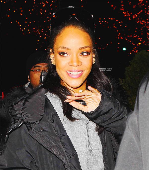 ' 15/03/2015 - Rihanna F. a été photographié par les paparazzis dans les rues New-Yorkaises. Elle est sublime !  '
