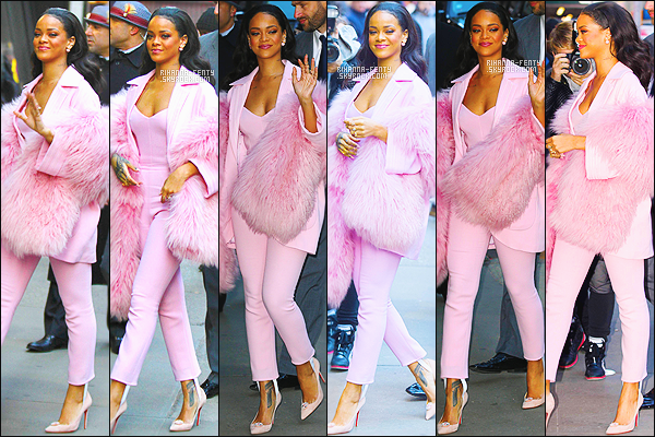 _ 13/03/15 -Rihanna était sur le plateau de « Good Morning America » à New York, avec Jim Parsons et Steve Martin.Pour promouvoir Home qui sortira le 27 mars . Que pensez-vous de sa tenue ? N'hésitez surtout pas à me faire parvenir vos avis.
