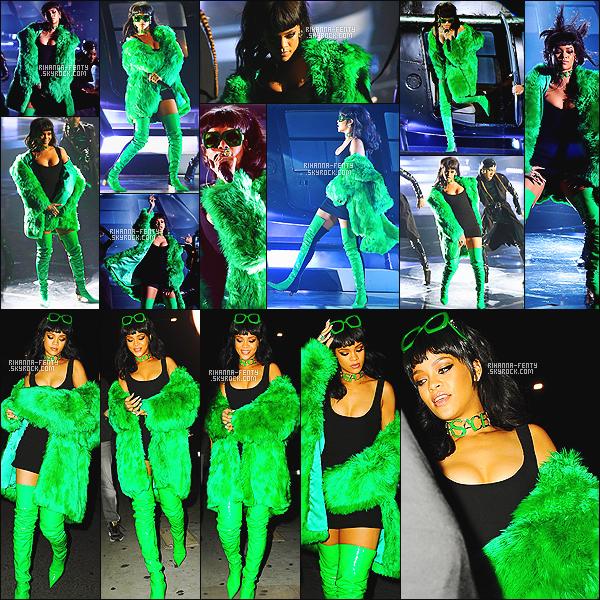 ' 30/03/2015 - Notre jolie Rihanna Fenty a assisté aux « iHeartRadio Music Awards » à Los Angeles. Puis après la cérémonie, Rihanna s'est rendue dans son restaurant favori « Giorgio Baldi » à Los Angeles afin de fêter ça. Top ! '
