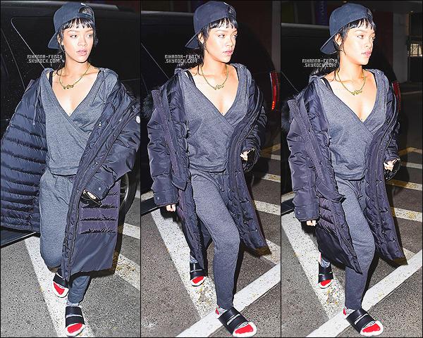 ' 31/03/2015 - Rihanna Fenty a été photographié alors qu'elle se rendait chez son dentiste à New York City.  '