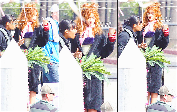 '  11/04/2015 - Rihanna Fenty a assisté au festival de musique « Coachella » qui a eu lieu à Indio en Californie.  '