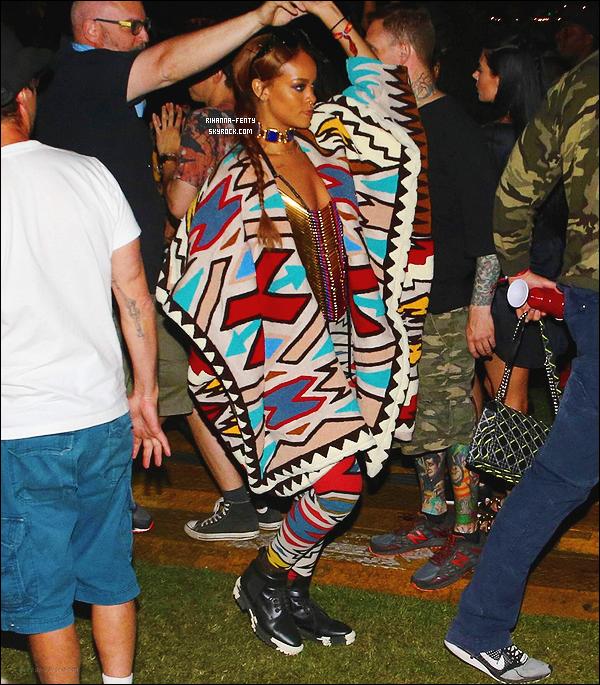 ' 12/04/2015 - Rihanna Fenty est toujours au festival Coachella, elle a assisté au concert de Drake et Madonna.  '