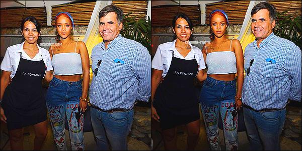 _ 27/05/15 : Rihanna était au restaurant La Fontana à La Havane à Cuba . N'hésitez pas à me faire parvenir vos avis.