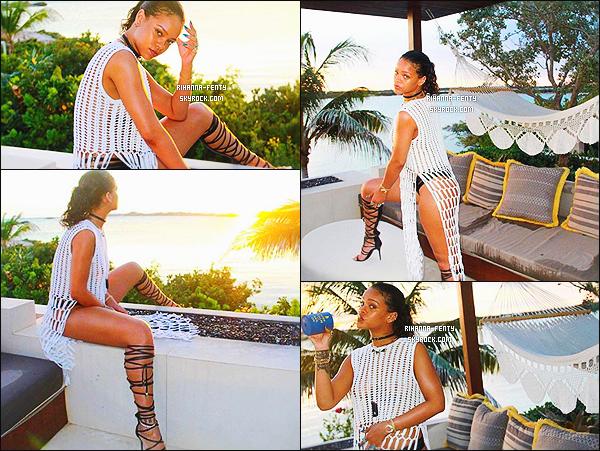 - INSTAGRAM | Voici des nouvelles photos de Rihanna dans les îles.  -