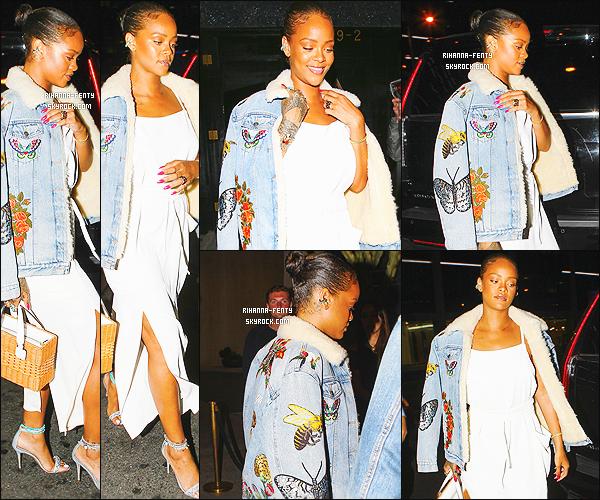 ' 10/06/2016 - Rihanna Fenty a été vue se rendant à son restaurant favoris le « Giorgio Baldi » à Los Angeles. Elle était vêtue d'une robe signée « Adam Selman », portait ses chaussures de sa propre collection avec Manolo Blahnik. J'aime bien, un top ! '
