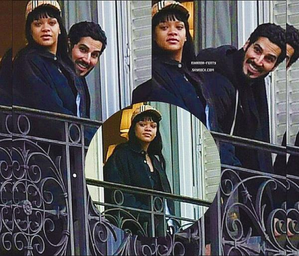 _ 14/01/2018  - Rihanna a été photographié sur le balcon de son hôtel avec son petit-ami Hassan Jameel  à Paris.