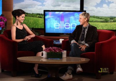 Girl Meets World ( Episode 3 ) + Selena Aux The Ellen DeGeneres Show