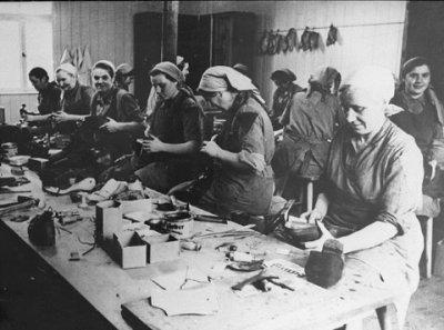 4-LE CAMP DE FEMME : RAVENSBRUCK - Les camps de ... Rawensbruck Memoire De Femmes