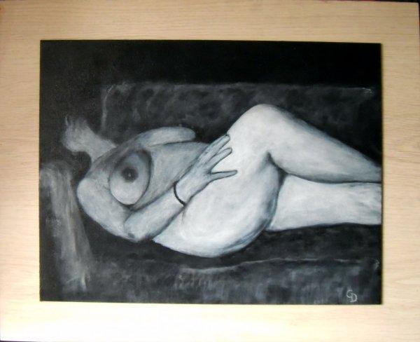 250 - Femme sur le divan
